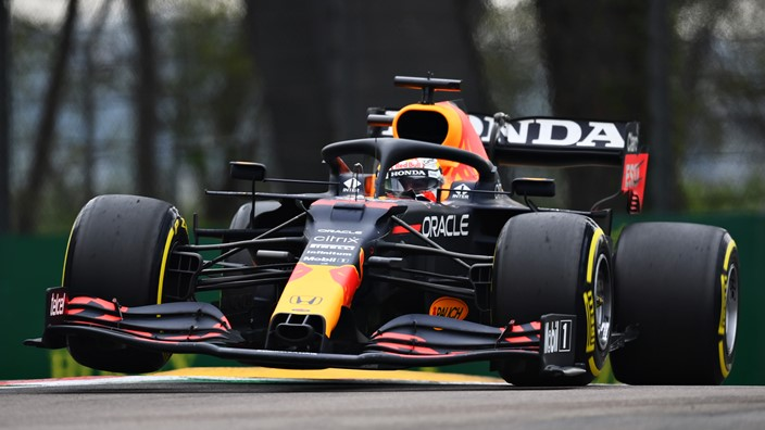 Max Verstappen gana una carrera caótica en Imola
