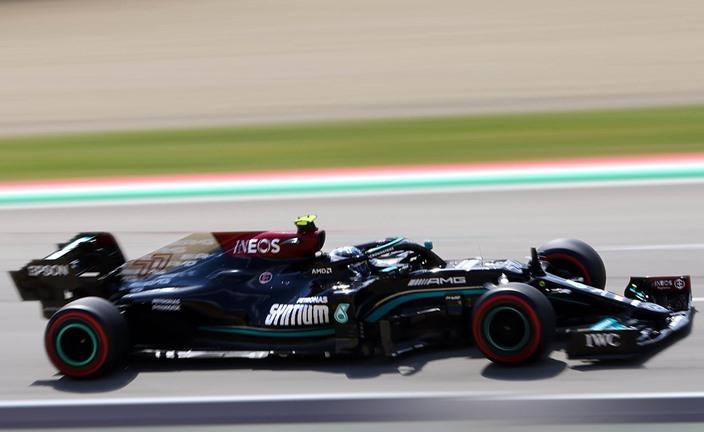 Mercedes domina en Imola al ser Bottas el más rápido en los Libres 2