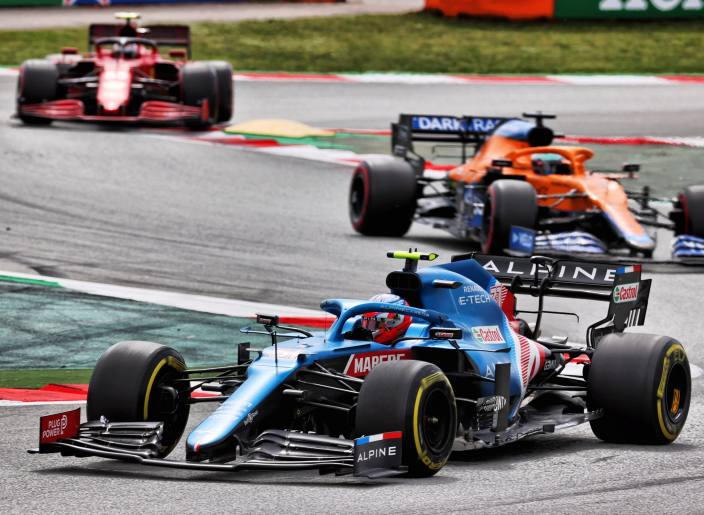 "Alonso, sobre Ocon: ""Logra fines de semana perfectos"""