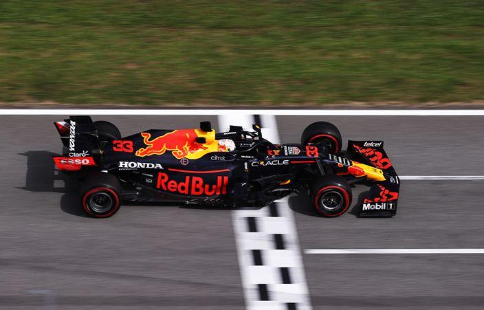 Domingo en España – Red Bull vuelve a ser superado por Hamilton y Mercedes