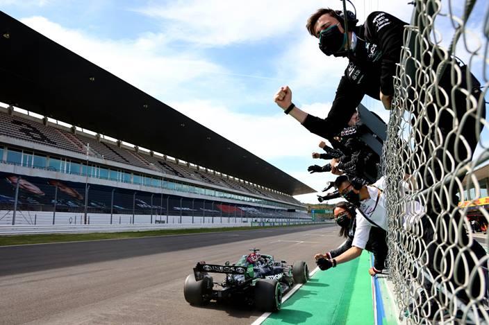 Domingo en Portugal - Mercedes gana con Hamilton y le roba puntos a Red Bull