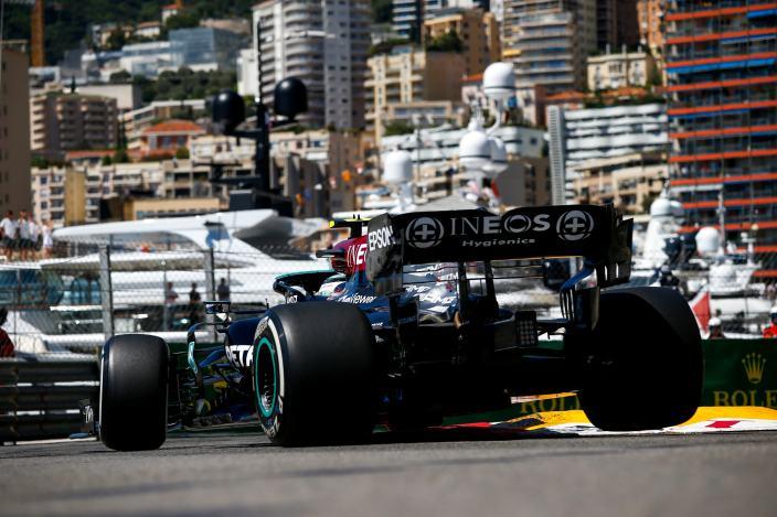 Jueves en Mónaco - Mercedes se esconde en el Principado