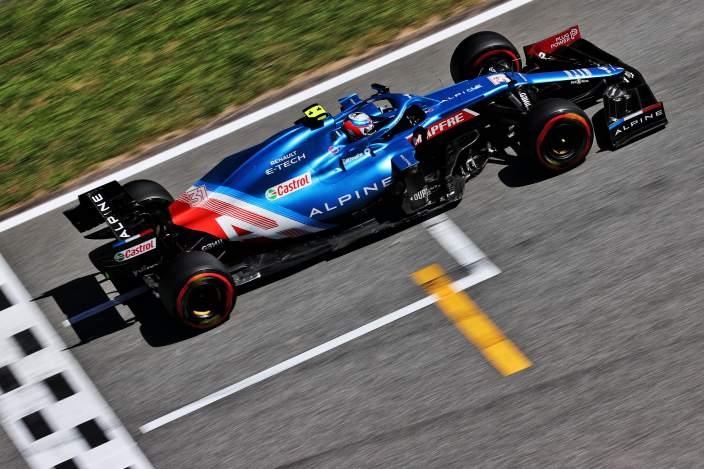 Sábado en España – Alpine mete ambos coches en Q3; Ocon es medio segundo más rápido que Alonso