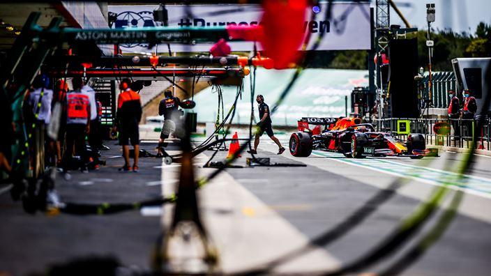 Verstappen se posiciona en primera posición de cara a la clasificación