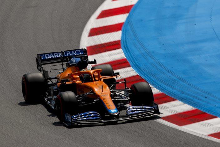Viernes en España – McLaren sigue escondiéndose durante los libres