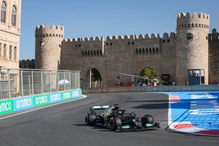 Domingo en Azerbaiyán – Mercedes sale de Bakú sin puntos y con el peor resultado en años