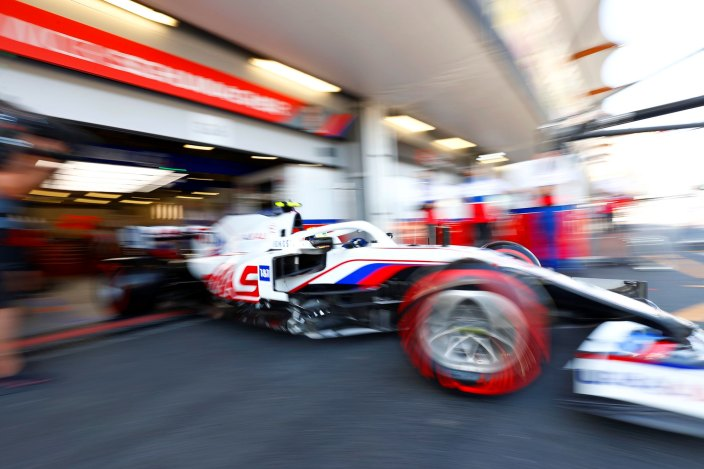 Sábado en Azerbaiyán – Haas estancado en las últimas posiciones