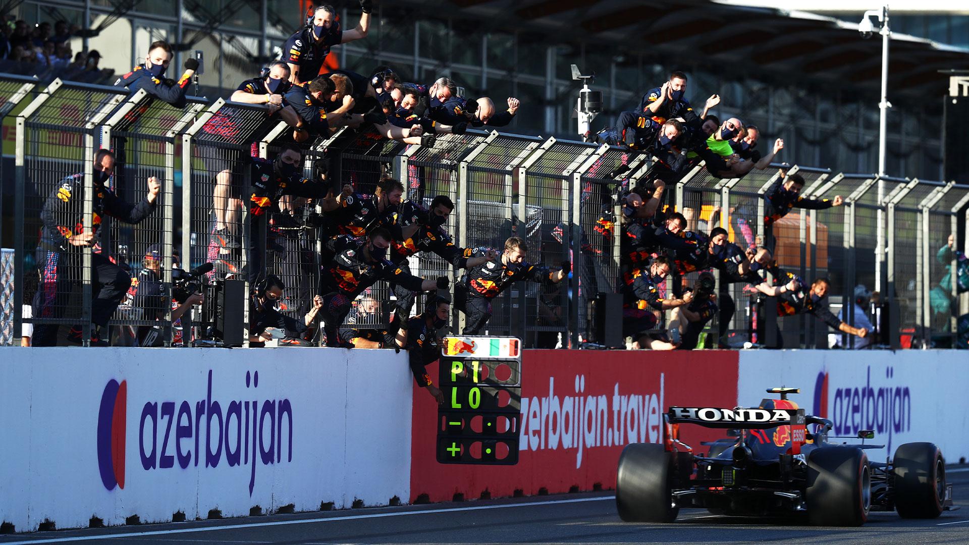 Domingo en Azerbaiyán - Red Bull: Verstappen explota, Pérez triunfa