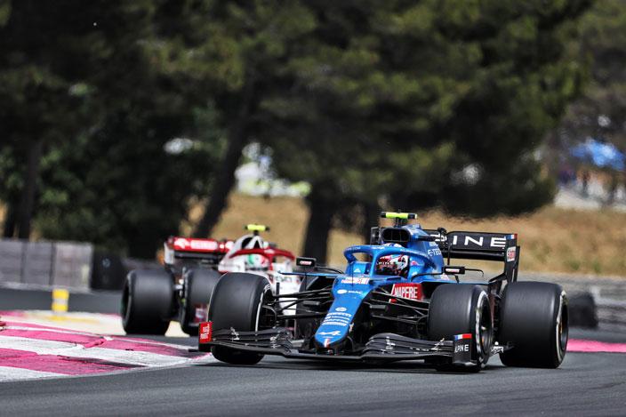 Domingo en Francia – Alpine: Alonso brilla con luz propia