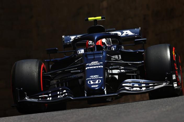 Gasly lidera una FP3 marcada por el accidente de Verstappen