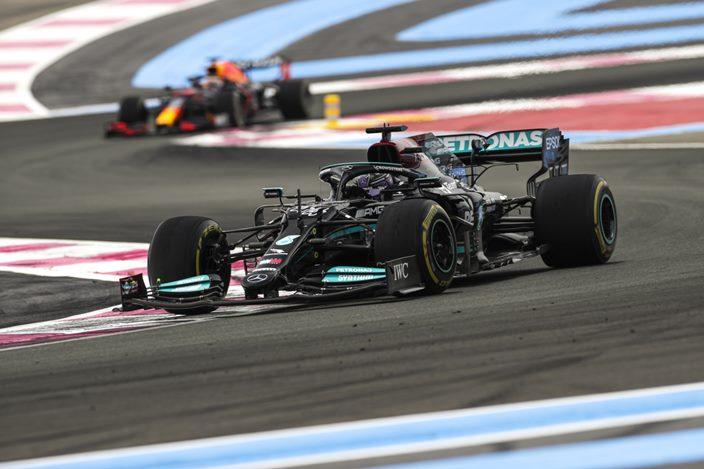 Mercedes no se da por vencido y seguirá en la lucha contra Red Bull