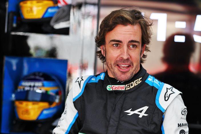 """Prost, sobre el rendimiento de Alonso: """"Es un coche nuevo, un equipo nuevo, y además lleva dos años sin pilotar en la F1"""""""