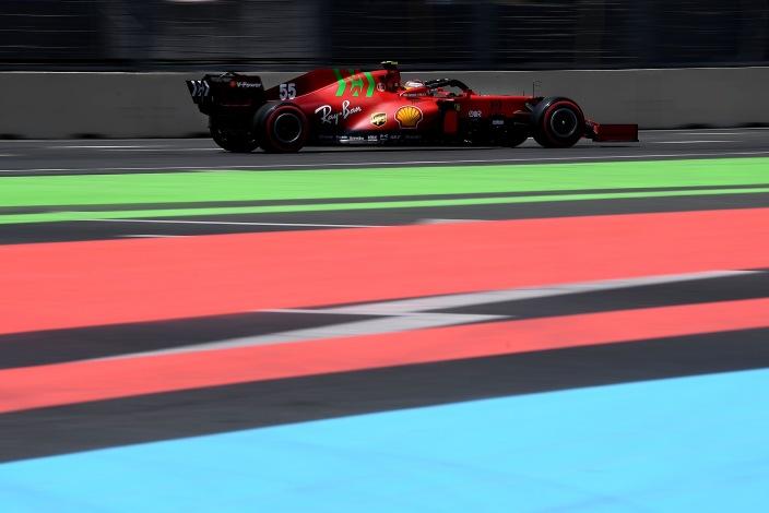 Viernes en Azerbaiyán - Ferrari se mantiene arriba