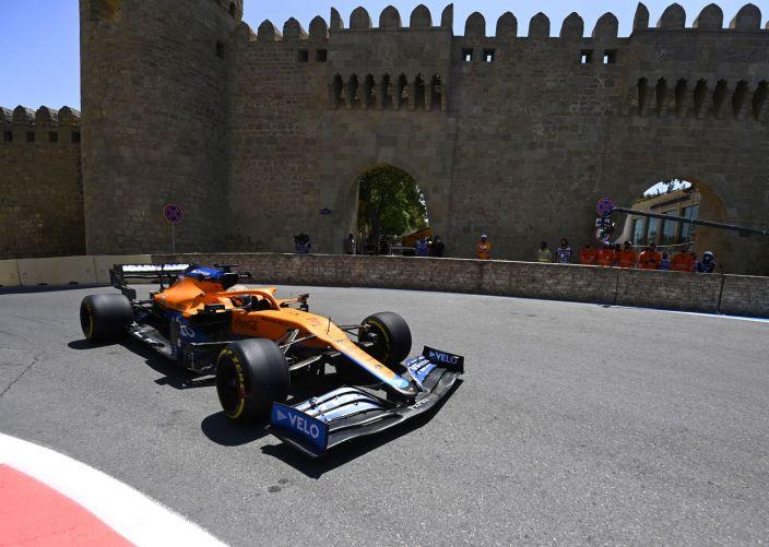 Viernes en Azerbaiyán – McLaren busca la configuración