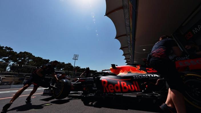 Viernes en Azerbaiyán – Red Bull lidera ante la desaparición de Mercedes