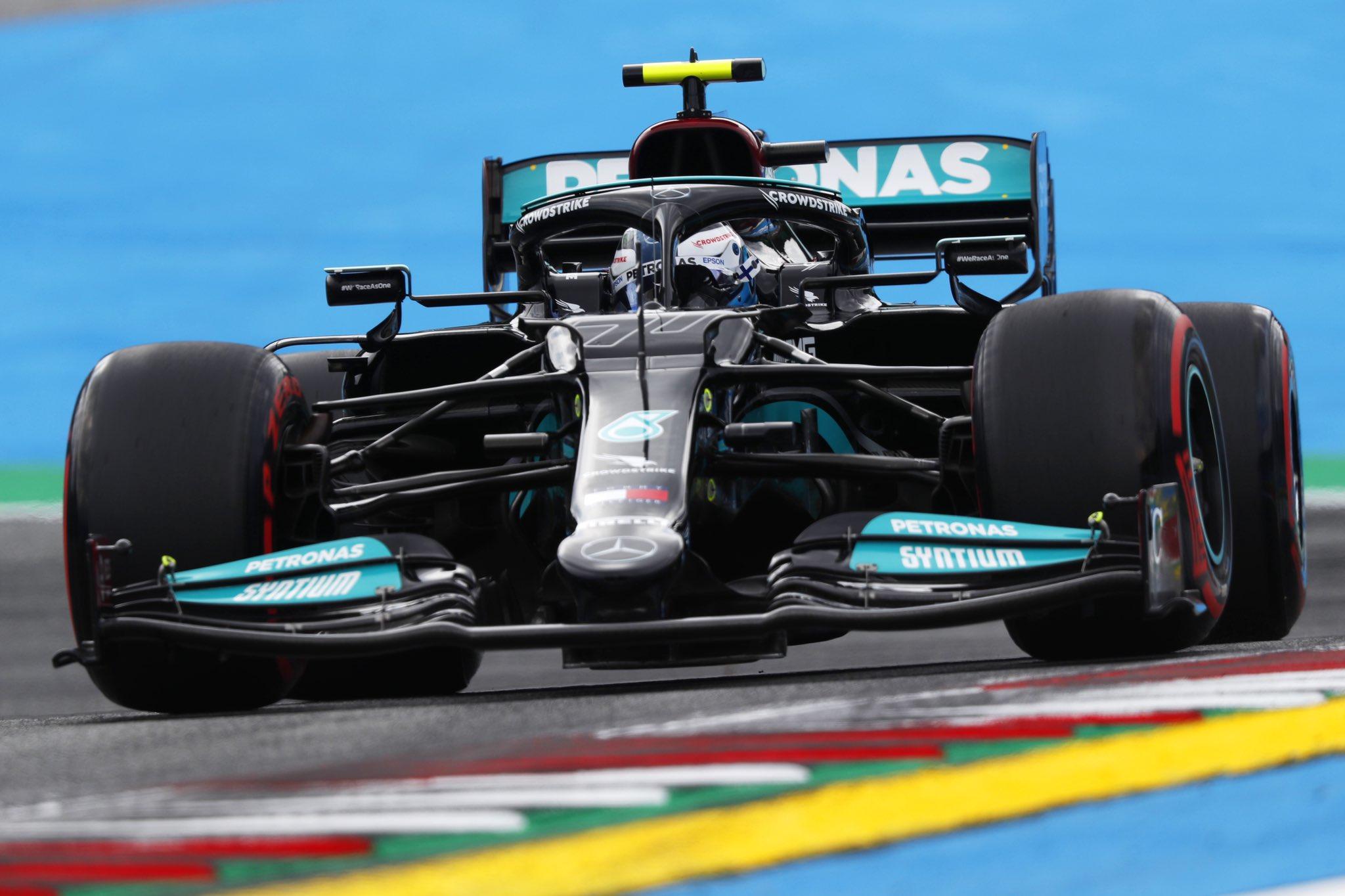 Viernes en Estiria – Mercedes, detrás de Red Bull y penalización para Bottas