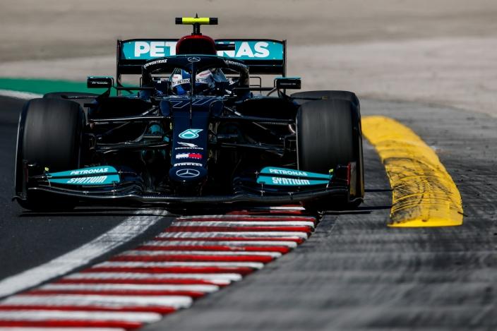 Valtteri Bottas lidera los tiempos de la FP2 en Hungría