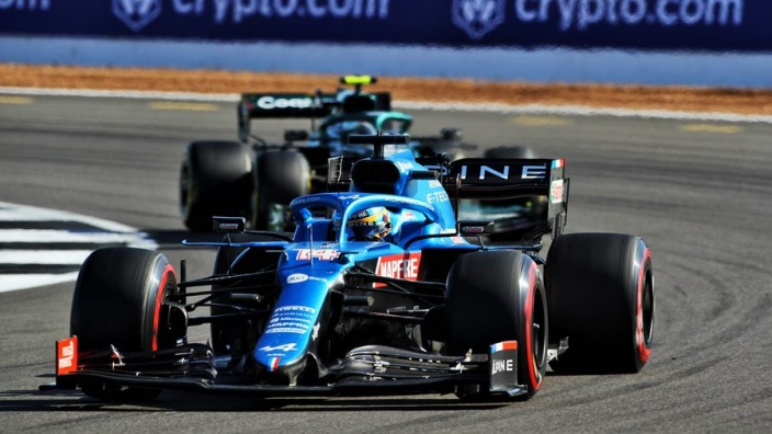 Sábado en Gran Bretaña - Alpine es el gran protagonista de la carrera al sprint de la mano de Alonso