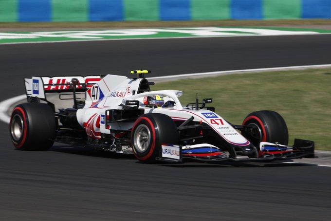 Sábado en Hungría Haas no consigue que el coche de Mick salga en clasificación