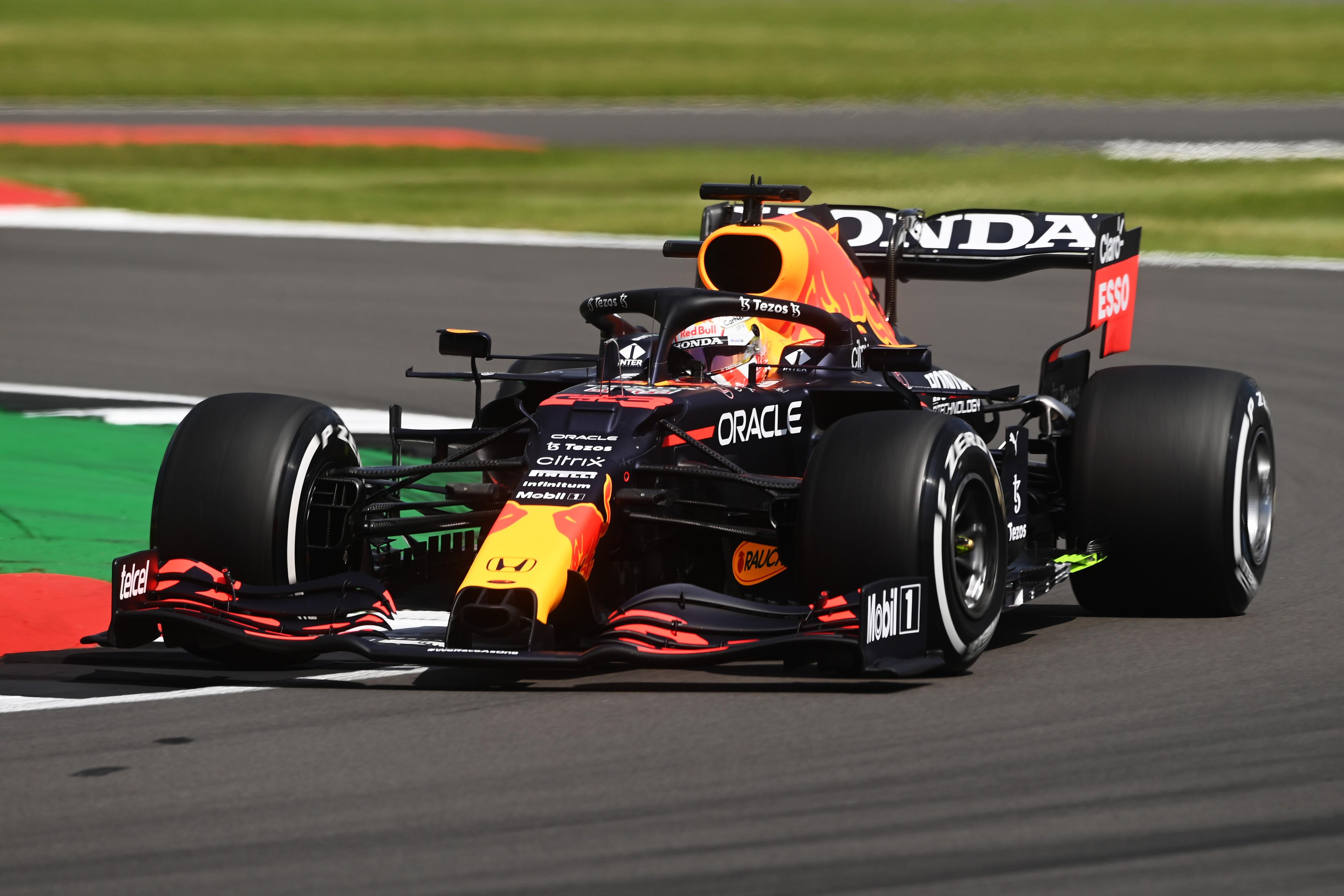 Max Verstappen gana la carrera sprint y la Pole Position del GP de Gran Bretaña