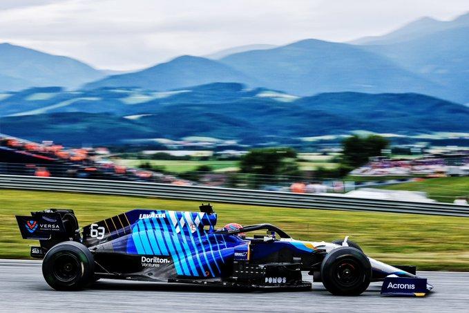 Williams aprovecha el escenario para obtener datos de tres pilotos