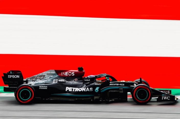 Los Mercedes vuelven a la cabeza en los libres 2 del GP de Austria