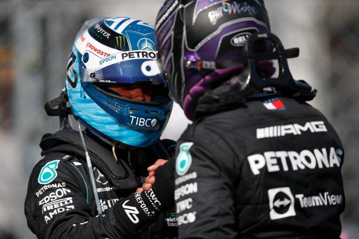 Sábado en Hungría – Mercedes juega con Red Bull y consigue la primera línea