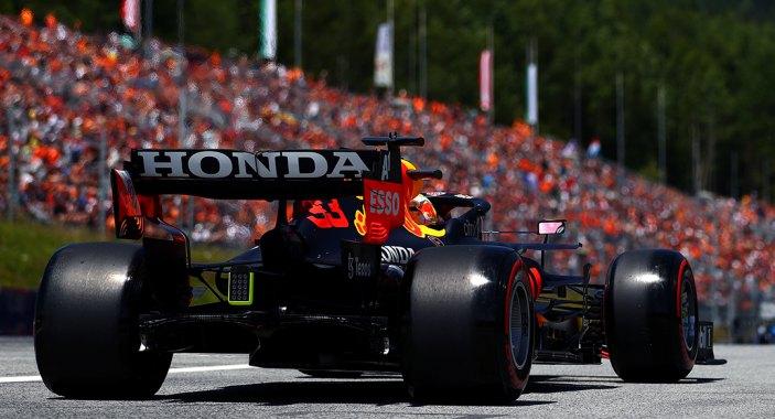 Verstappen impone su dominio y se lleva el mejor tiempo en los terceros libres