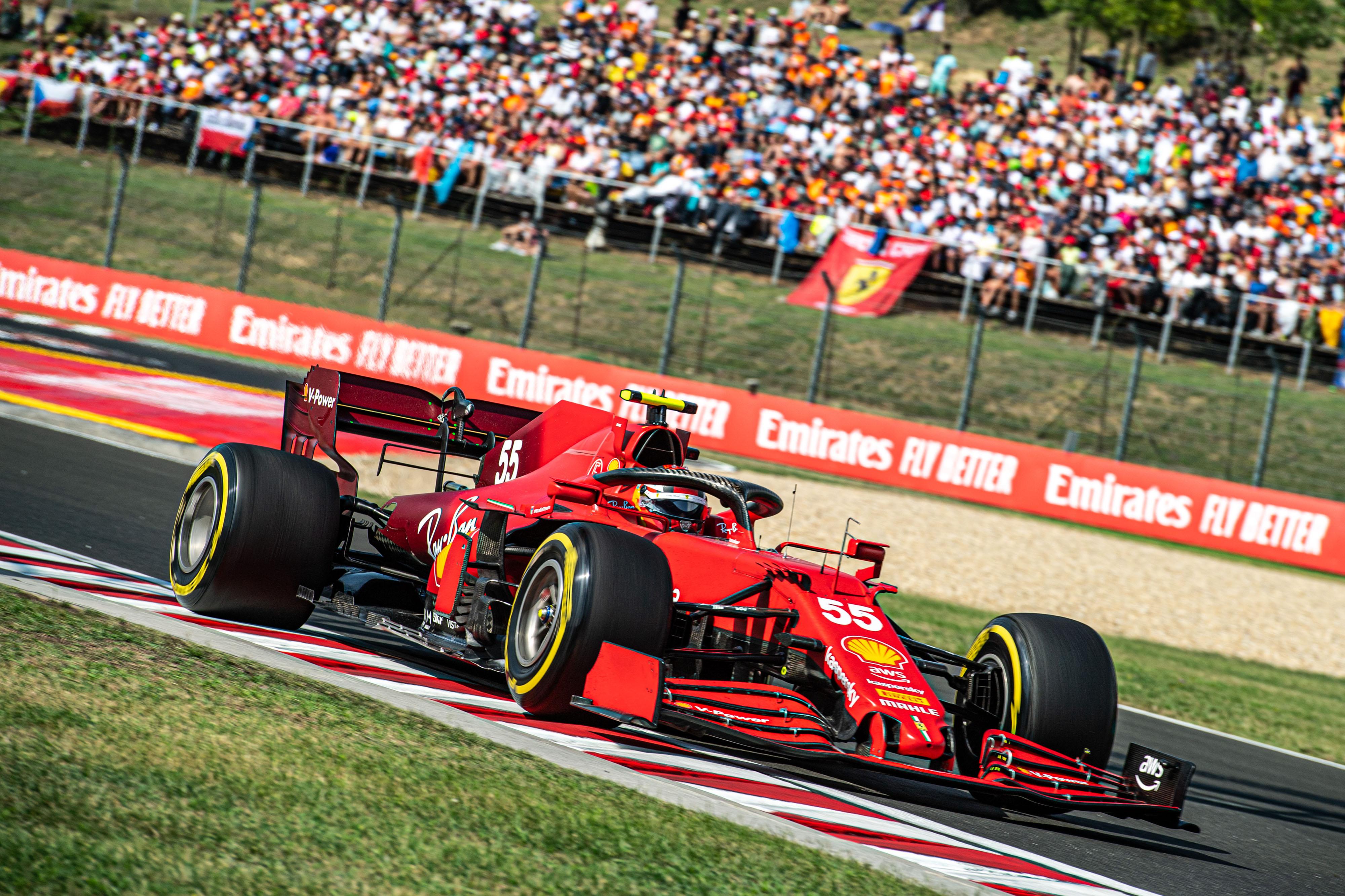 Domingo en Hungría – Ferrari: Sainz salva los muebles en una carrera caótica