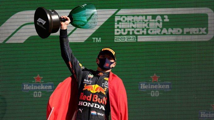 Domingo en Holanda – Red Bull – Verstappen gana por 1ª vez en Zandvoort y recupera el liderato de F1