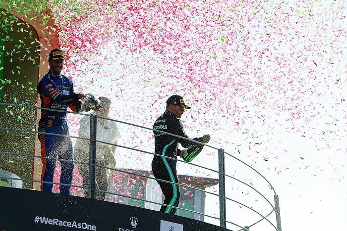 Domingo en Italia – Mercedes logra impresionante podio desde el fondo con Bottas y pierde a Lewis en incidente nuevamente con Verstappen