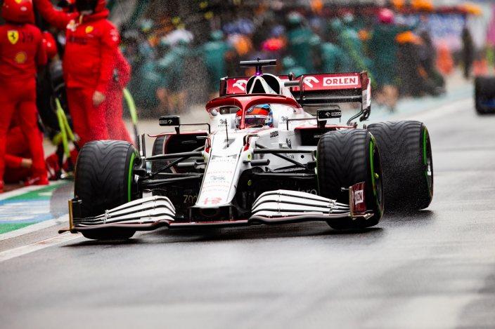 Domingo en Rusia - Alfa Romeo suma puntos en un caótico final con lluvia