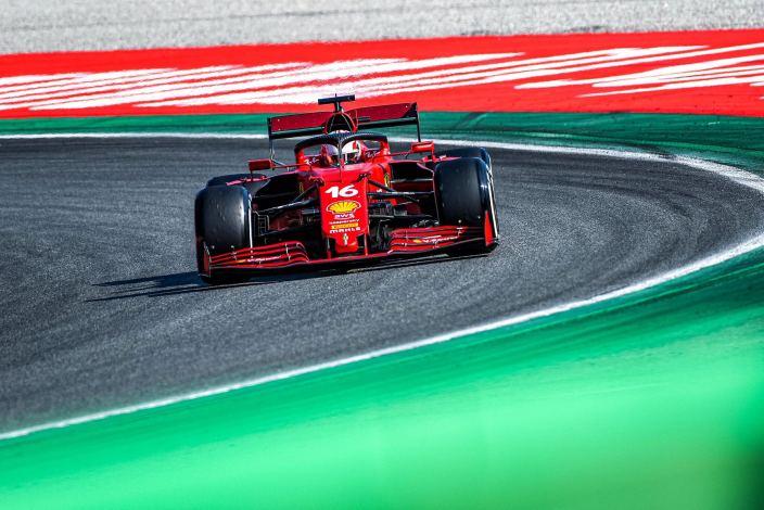 Domingo en Italia - Ferrari cumple en casa