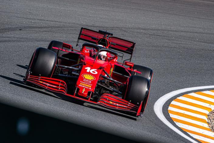Ferrari encabeza los libres 2 en Zandvoort. Hamilton, con problemas de motor