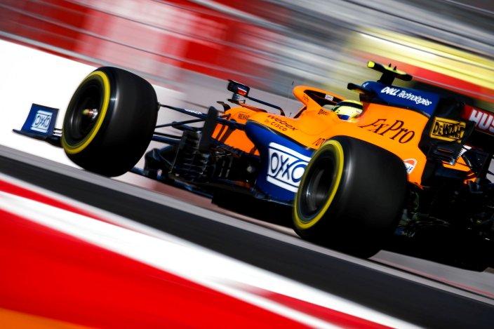 """""""Hoy fue un poco arriba y abajo. Tuvimos bastante problemas en P1, pero hicimos algunos cambios en el auto para la segunda sesión que mejoraron las cosas. Ese progreso me ha hecho sentir un poco más confiado en el coche esta tarde y nos ha dado una sensación más positiva de cara a mañana. """"Algunas de nuestras fortalezas de Monza no son tan obvias en esta pista, y hay más tipos de curvas aquí en las que no somos tan fuertes. Pero aún puede sentirse relativamente bien, simplemente no siempre se traduce en un tiempo de vuelta real. No somos tan competitivos como en Monza, pero todavía tenemos una sensación decente y podemos seguir siendo competitivos en comparación con los equipos contra los que realmente estamos compitiendo. Hay muchas cosas a tener en cuenta para mañana con el pronóstico del tiempo, por lo que hay mucho en lo que pensar durante la noche para prepararnos para mañana """"."""