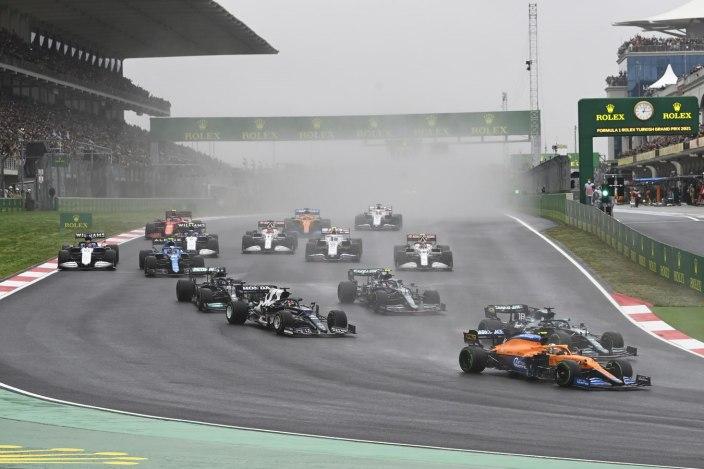 Domingo en Turquía - McLaren limitando daños
