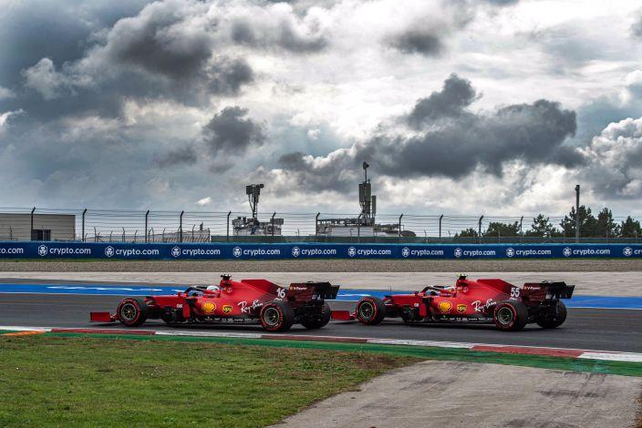 Sábado en Turquía - Ferrari hace trabajo de equipo y Leclerc saldrá tercero
