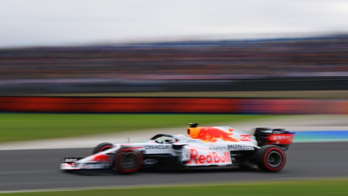 Sábado en Turquía - Red Bull y Verstappen comenzarán desde la segunda fila por penalización de Hamilton