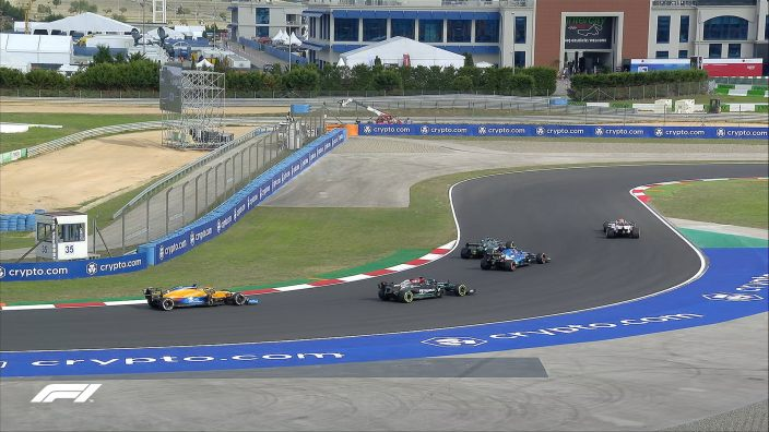 Lewis Hamilton con su Mercedes resulta el hombre más rápido en las FP2